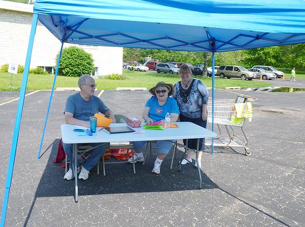 Helpers at mobile food pantry.